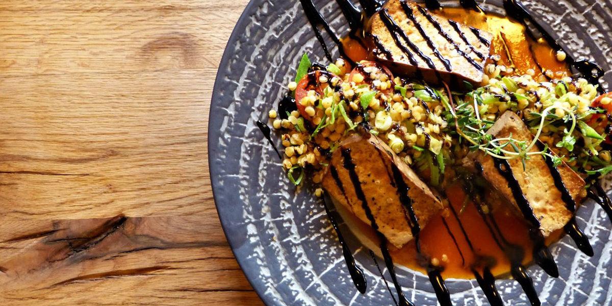 auenhuette-laubela-restaurant-lachs-salat