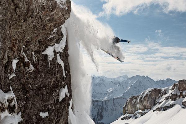 Snowboard Pulverschnee Sprung Kleinwalsertal