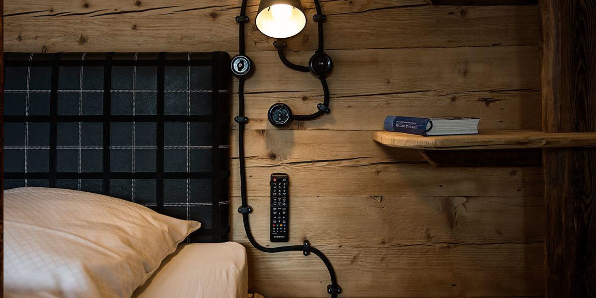 Nachttsichlampe im Berhüttenstil