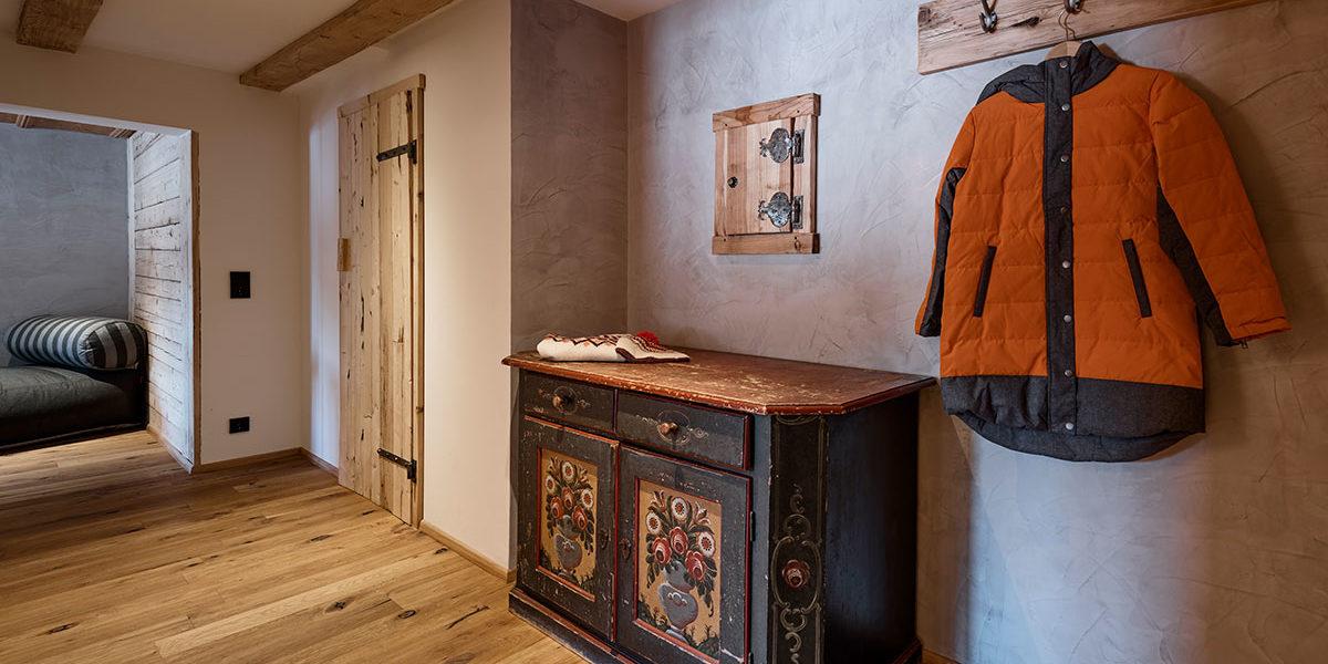 Holzzimmer Kleinwalsertal - Suite Ifen Eingangsbereich - Auenhütte