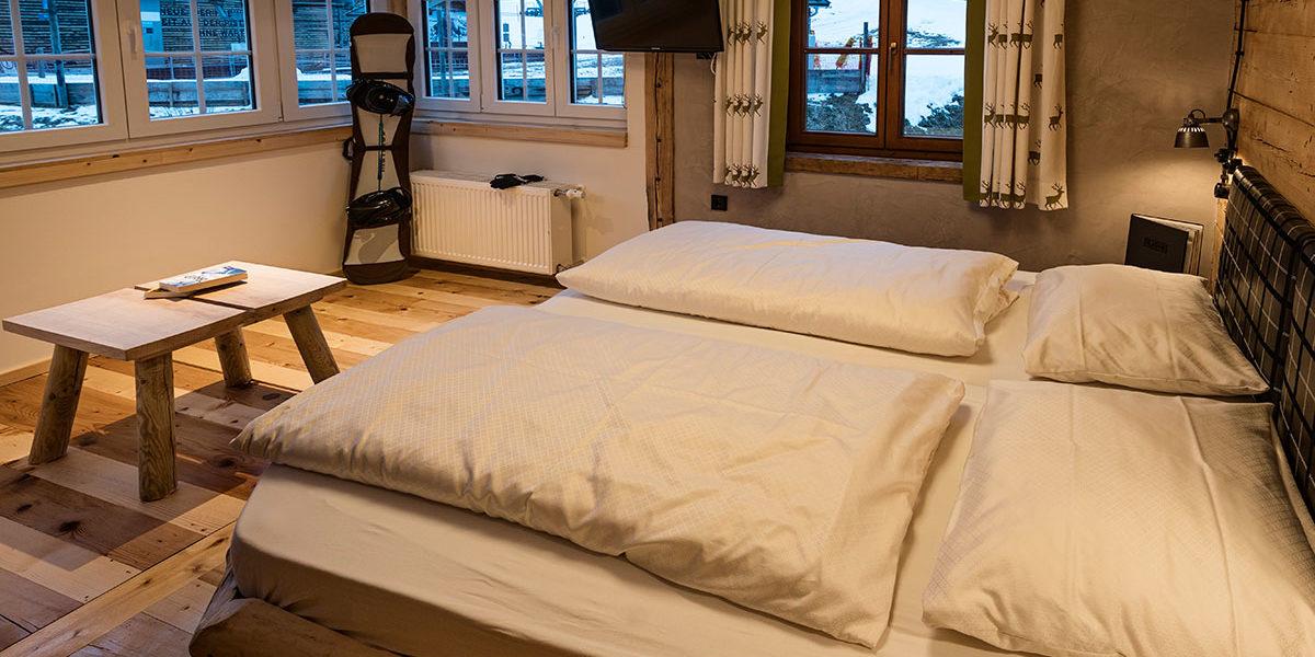 DZ Ifoly - moderns Zimmer im Almhüttenstil