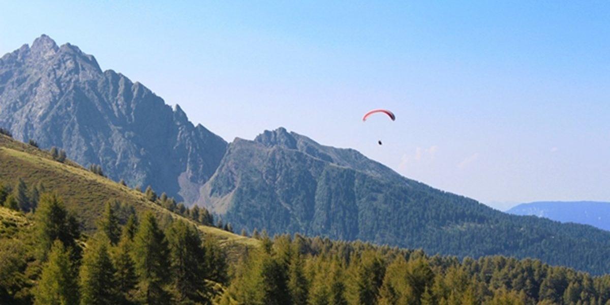 auenhuette-kleinwalsertal-aktivitaet-paragliding-abenteuer